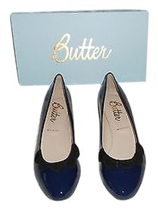 Butter Elegant Suede Collar Made In Italy Blue Wedges