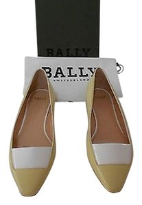 Bally Soft Kid Skin White Accent Vamp Comfortable Sophisticated Made In Italy Lemon Sorbet Flats