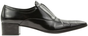 Prada Handsomely Crafted Bright Finish No Lace Goring Under Tongue Made In Italy Black Pumps