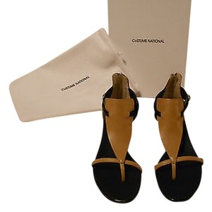 CoSTUME NATIONAL Tan And Black Design Brown Sandals