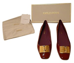 Emilio Pucci 736120 Deep Bold Goldtone Medallion Stylish Ruby Flats