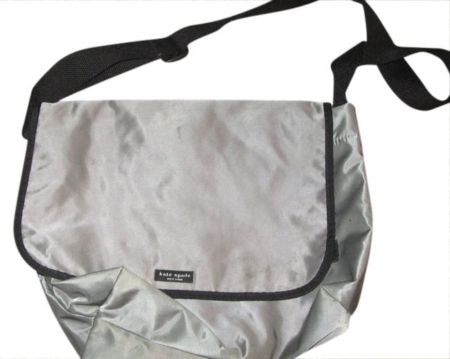 Item - Not Sure Grey/Silver W Black Strap Nylon Messenger Bag