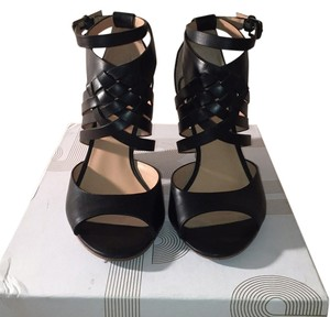 Belle by Sigerson Morrison Daisy Black Wedges
