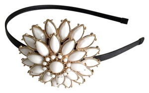 NEW Headband with white and gold flower detail