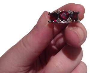 Antique .925 Sterling Silver Garnet Ring