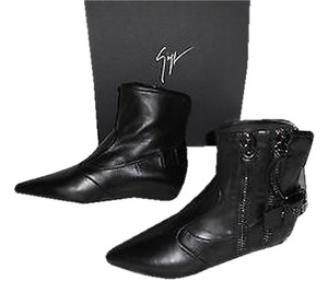 Giuseppe Zanotti I47080 Zipper Accent Hidden Wedge Stylish Sophisticated Black Boots