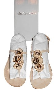 Charles David Kantu Detailed Suede Flowers Nude Sandals