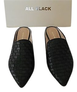 ALL BLACK Kid Leather Woven Design Runs Wide See Size Note Black Flats