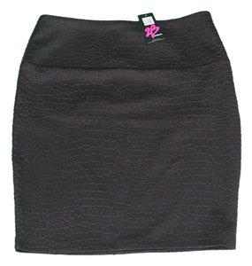 2b bebe Textured Mini Skirt black