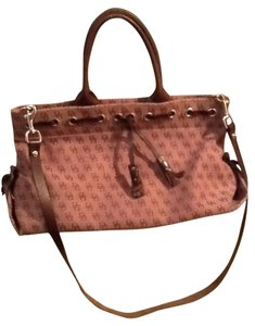 Dooney & Bourke Satchel in Burgundy