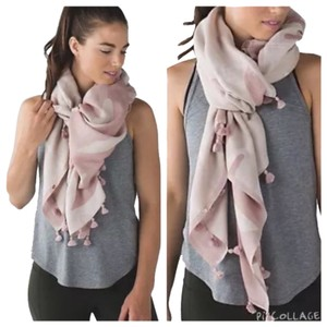 Lululemon New With Tags Lululemon Sun To Moon Scarf One Size Light Pink