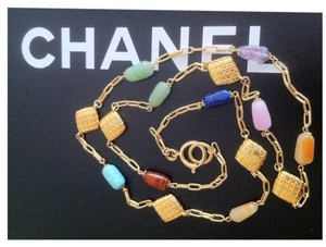 Chanel Rare CHANEL semi-precious Polished Stone and Matelasse Necklace