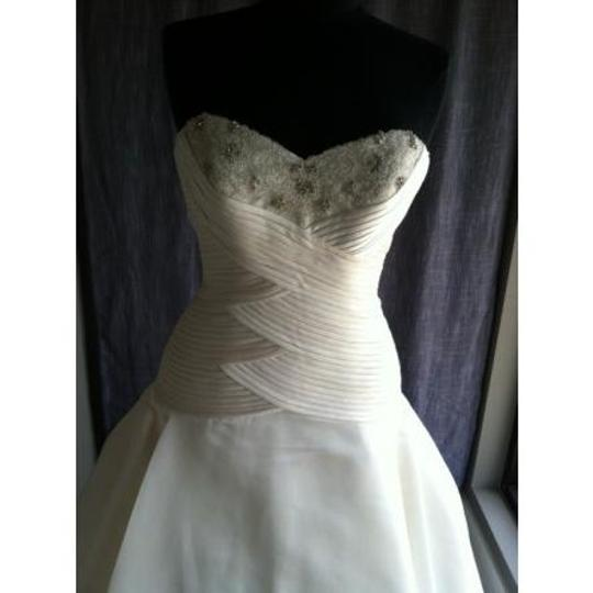 Pronovias Ivory Ballet Formal Wedding Dress Size 10 (M)