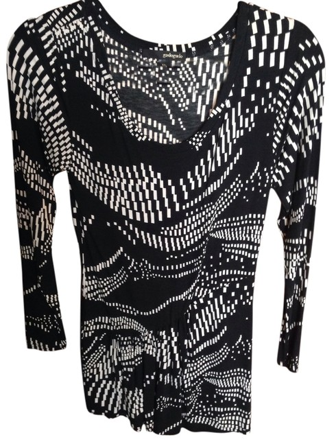 Preload https://item2.tradesy.com/images/blackwhite-never-worn-can-be-or-tunic-sexy-mini-cocktail-dress-size-2-xs-975086-0-0.jpg?width=400&height=650