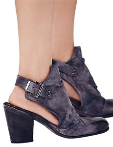 Free People Sz 39 Distressed Washed Navy Boots