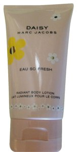 Marc Jacobs Daisy Marc Jacobs body lotion