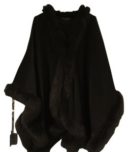 St. John Warm Labels Rich Wool Fox Fur Rich A Steal At This Price Cape