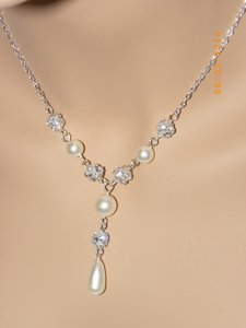 Other Swarovski Crystal Ivory Cream Pearl Set Of Necklace And Earrings Bridal Jewelry Weddings