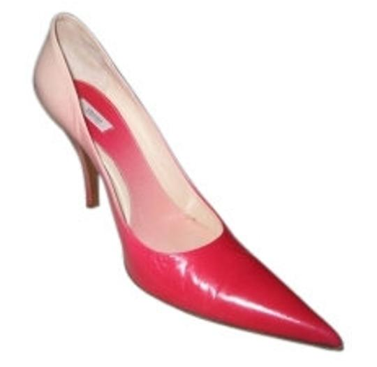 Preload https://img-static.tradesy.com/item/9760/prada-red-pumps-size-us-9-regular-m-b-0-0-540-540.jpg
