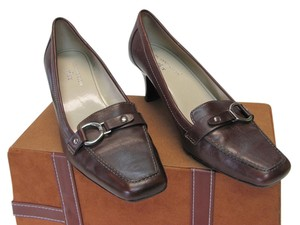 AK Anne Klein Leather Size 7.50 Very Good Condition Pumps