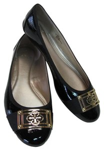 Isola Size 9.00 M Very Good Condition Patent Leather Black Flats