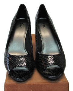 Fioni Reptile Design Size 7.00 M Very Good Condition Black, Pumps