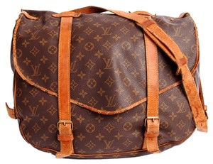 Louis Vuitton Saumur 43 Leather Cross Body Luggage Messenger Vintage Saddle Brown and Tan Messenger Bag