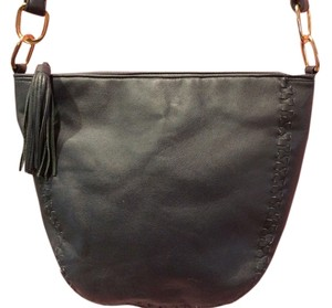 Vittoria Shoulder Bag