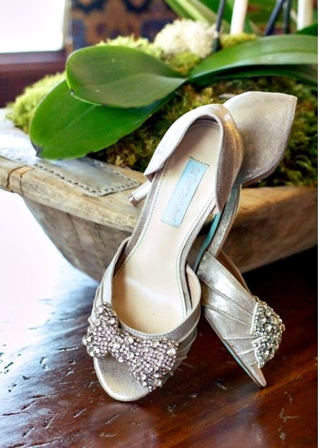 Item - Silver Blue By Gown Evening Pumps Size US 6.5