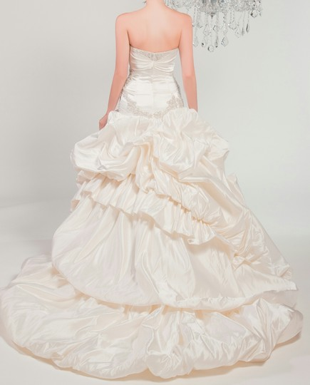 Winnie Couture Diamond White 100%silk Chlomin Velouette 3133 Traditional Wedding Dress Size 10 (M) Image 1