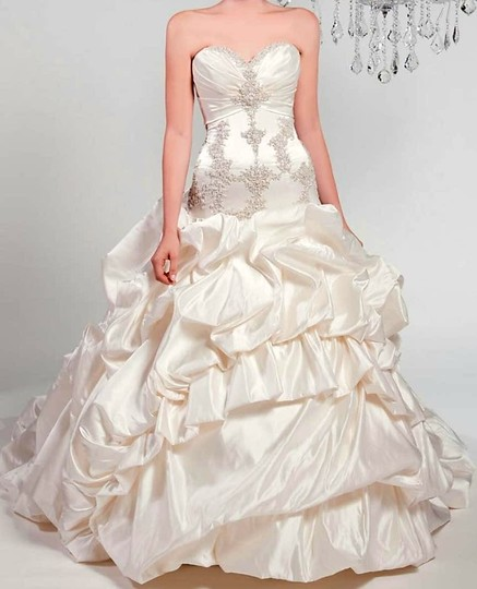 Winnie Couture Diamond White 100%silk Chlomin Velouette 3133 Traditional Wedding Dress Size 10 (M) Image 5