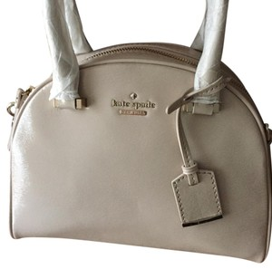 Kate Spade Patent Leather Adjustable Strap Dust Cover Satchel in PEARL