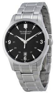 Victorinox Victorinox Swiss Army Stainless Steel Mens Silver Analog Watch 241473