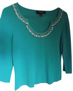 Cable & Gauge Beaded Neckline 3/4 Sleeves Sweater