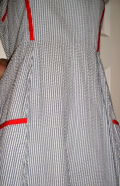 Jessica Simpson Pin Striped Halter Mid-length Short Casual Dress Size 8 (M) Jessica Simpson Pin Striped Halter Mid-length Short Casual Dress Size 8 (M) Image 4