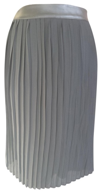 Preload https://item2.tradesy.com/images/mossimo-supply-co-black-chiffon-pleated-knee-length-skirt-size-2-xs-26-979181-0-0.jpg?width=400&height=650