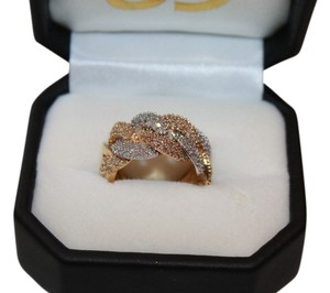 14k GOLD RING WITH DIAMONDS