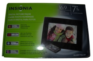 INSIGNIA DIGITAL PICTURE FRAME