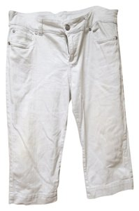 Common Genes Capris white
