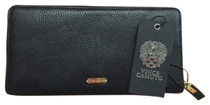 Vince Camuto Mikey Check Book