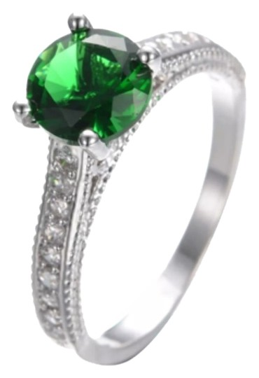 Preload https://img-static.tradesy.com/item/9804742/emerald-and-white-gold-filled-ring-0-1-540-540.jpg