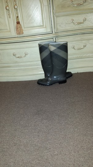 Burberry Grey plaid Boots Image 5