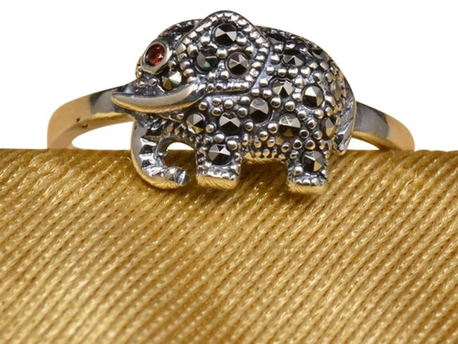 Sterling Silver Elephant Faceted Garnet Color Cz Marcasite Gemstone Size 7.75 Ring Sterling Silver Elephant Faceted Garnet Color Cz Marcasite Gemstone Size 7.75 Ring Image 1
