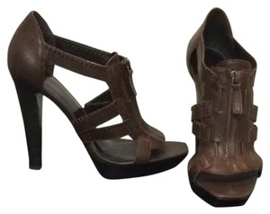 Jessica Simpson Brown Pumps