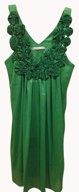 Preload https://item5.tradesy.com/images/green-above-knee-short-casual-dress-size-6-s-980934-0-0.jpg?width=400&height=650