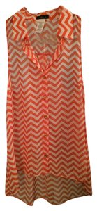 Toskana Sleeveless Collar Buttons Top Pink and white chevron