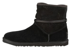 UGG Australia Rayin Tassel Winter Gifts For Her Gift Idea Winter Ski Wear Ski Fashion Boots