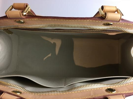 Louis Vuitton Patent Vernis Perle Gm Tote in Ivory