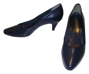 Naturalizer navy Pumps
