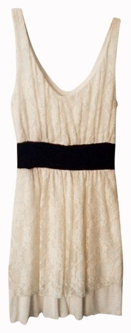 Preload https://img-static.tradesy.com/item/981426/off-white-above-knee-night-out-dress-size-8-m-0-0-650-650.jpg